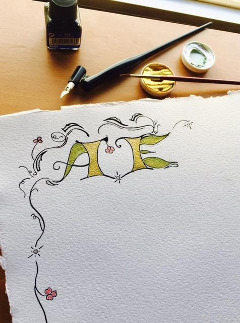 letra capital, grafología, pergamino, regalo original y exclusivo